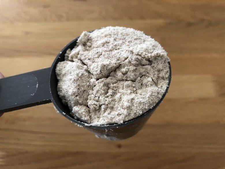 マイプロテイン黒糖ミルクティー味見た目